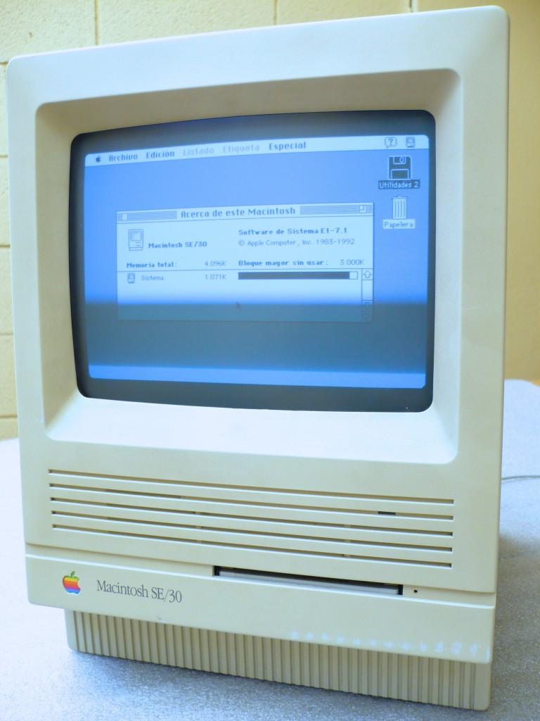 Macintosh SE/30 vivito y coleando